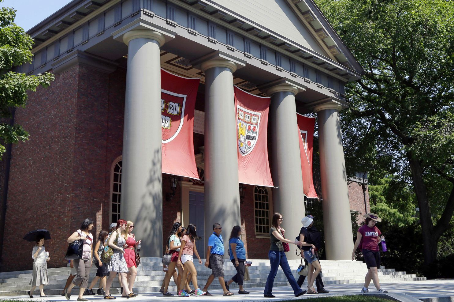 Image for Government accuses Harvard of 'outright racial balancing'